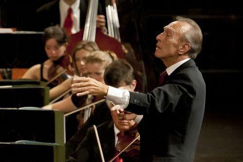 Johannes Brahms (1833-1897): As 4 Sinfonias, Aberturas, Lieder, Variações sobre um Tema de Haydn (Abbado)