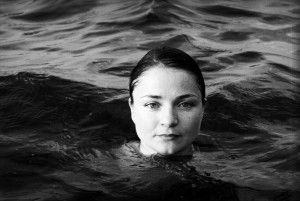 Helena Tulve (1972) dentro d`água