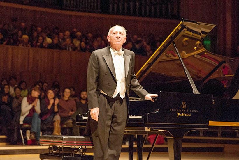 O genial e monstruoso pianista Maurizio Pollini