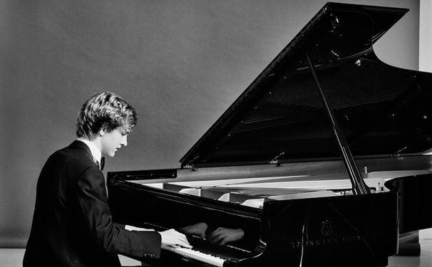 Fryderyk Chopin (1810-1849): Piano Concertos Nº1 & 2 – Jan Lisiecki, Howard Shelley, Sinfonia Varsovia
