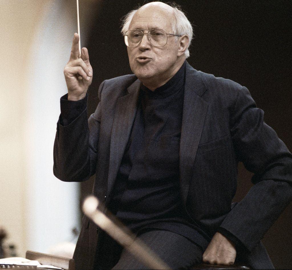Дирижер Национального симфонического оркестра США Мстислав Ростропович