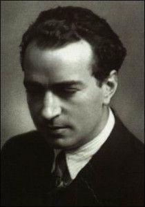 Joaquín Rodrigo (1901-1999), cego desde os três anos de idade, foi prolífico compositor, virtuoso ao piano e, numa bonita homenagem da Coroa espanhola, o primeiro e único Marquês dos Jardins de Aranjuez