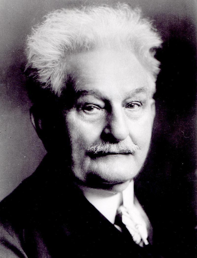 Leoš Janáček (1854-1928): Sinfonietta for Orchestra e Preludes to Operas