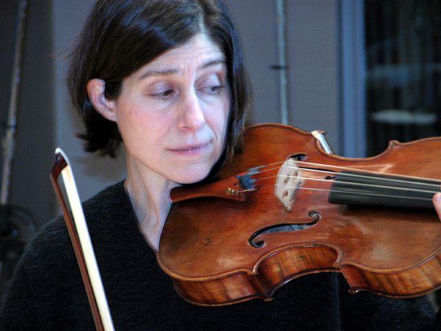 Giya Kancheli (1935): Vom Winde beweint / Alfred Schnittke (1932-1998): Concerto For Viola And Orchestra