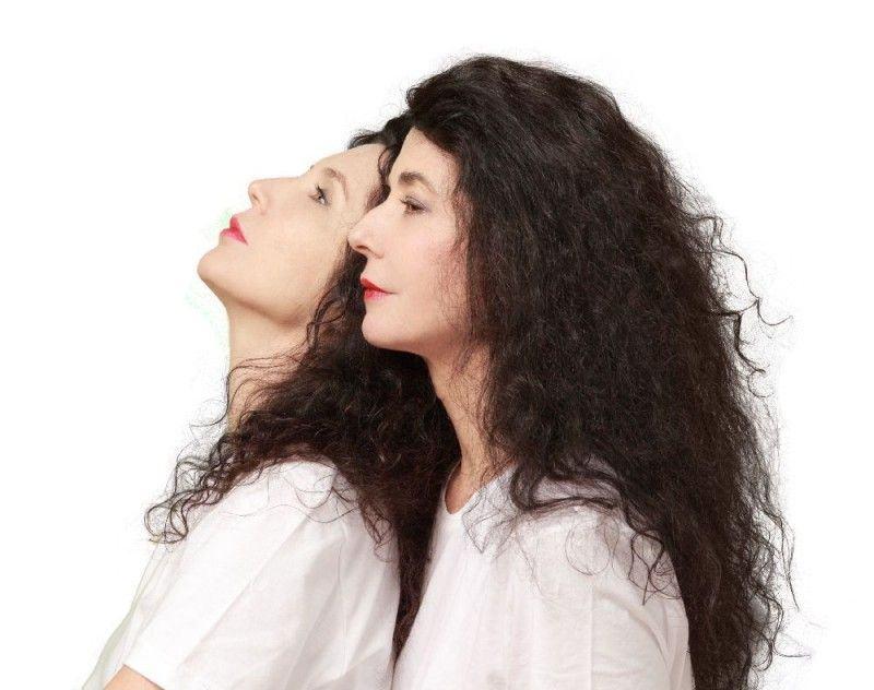 As irmãs Labèque: difícil saber onde termina uma e começa a outra