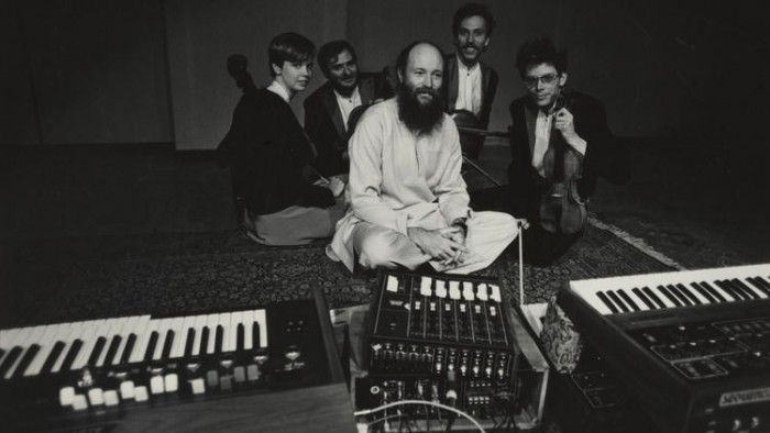 Terry Riley (1935): Cadenza On The Night Plain — Alfred Schnittke (1934-1998): Quartetos 2 e 4 — Kronos Quartet 25 anos [8 e 9/10]