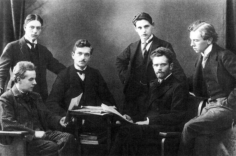 Zóltan Kodály (1882-1967): Sonata, Op. 8 for solo cello / Sonatina / 9 Epigrams