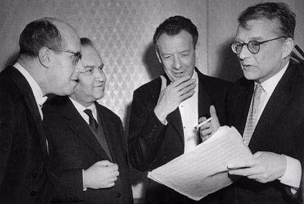 Meu deus: Rostropovich, Oistrakh, Britten e Shostakovich levando um papo.