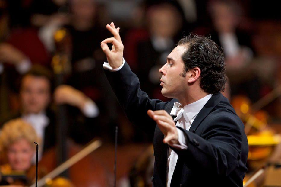 Mussorgsky: Quadros de uma Exposição / Tchaikovsky: Sinfonia No. 4
