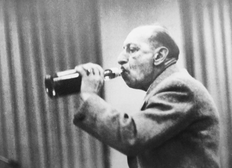 Igor Stravinsky (1882-1971): Petrouchka / Orpheus