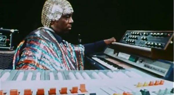 .: interlúdio :. Sun Ra & His Astro Infinity Arkestra: My Brother the Wind Vol. II (1971)