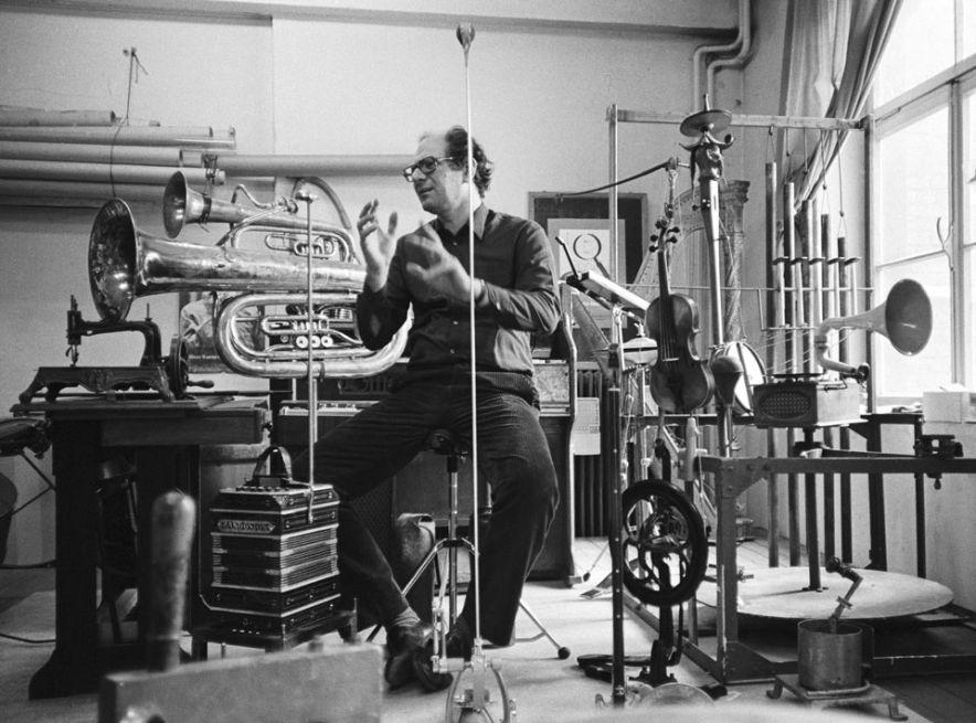 Mauricio Kagel (1931-2008): Rrrrrrr… (8 Orgelstücke) & 10 Märsche um den Sieg zu verfehlen