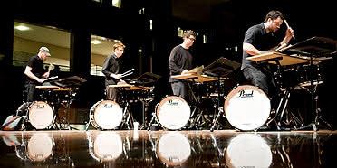Cage, Cowell, Lundquist & Taïra: Música para Percussão