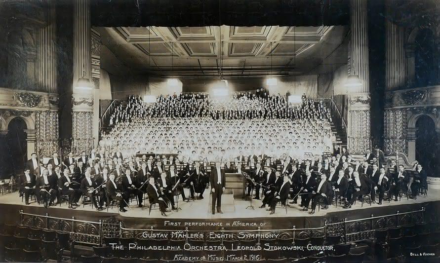 "Gustav Mahler (1860-1911): Sinfonia 8 ""Sinfonia dos Mil"" & Sinfonia 2 ""Ressurreição"" – Leopold Stokowski"