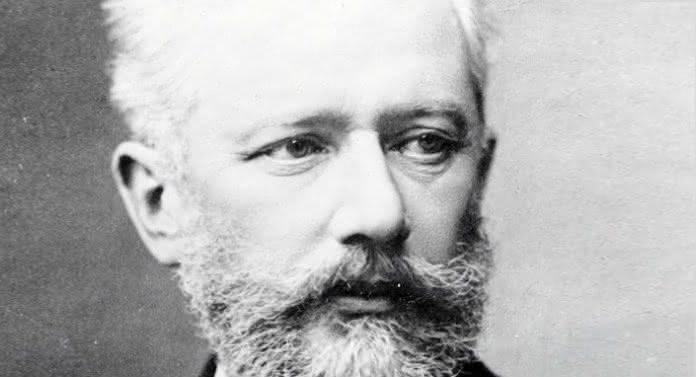 Tchaikovsky (1840-1893) / Grieg (1843-1907): Cordas e mais cordas (Serenata, Souvenir, Holberg)