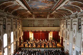 """Franz Joseph Haydn (1732-1809): Sinfonias Completas 38-45, """"A"""" e """"B"""" – Adam Fischer"""