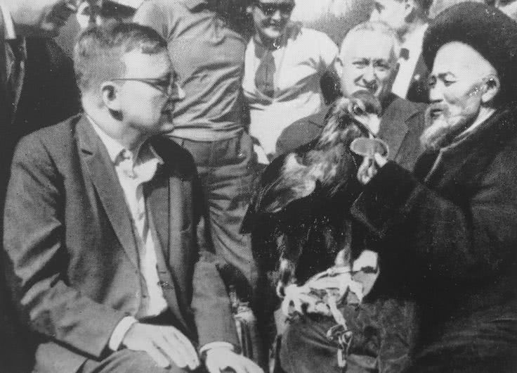 Dmitri Shostakovich (1906-1975): Integral das Sinfonias e mais — CD 7 de 12 (Sinf 8, Funeral & Triumphal Prelude, Novorossiisk Chimes, Ashkenazy)