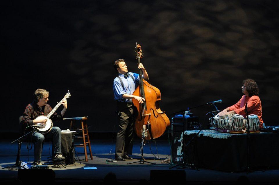 .: interlúdio :. Bela Fleck / Zakir Hussain / Edgar Meyer: The Melody Of Rhythm