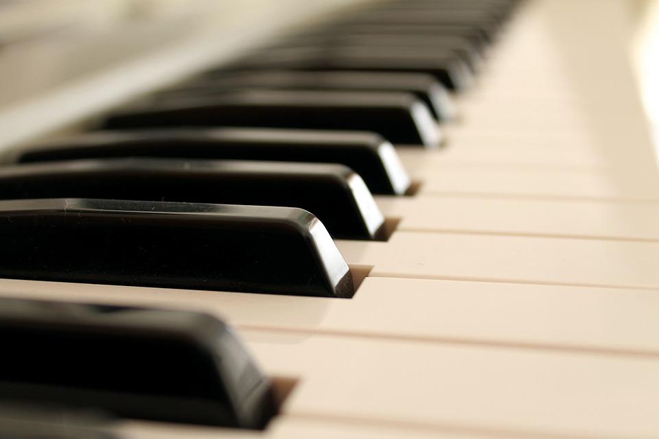 Mozart (1756 – 1791): Sonatas para Piano – Klára Würtz – 2/3 ֎