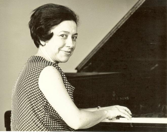 Manuel de Falla (1876-1946): Peças para Piano – Alicia de Larrocha ֎