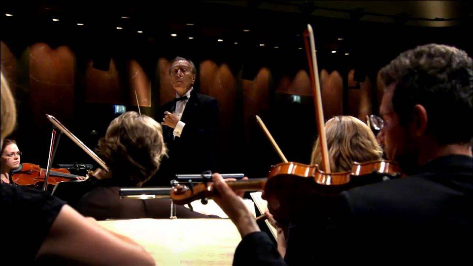 Giovanni Battista Pergolesi (1710-1736): Missa S. Emidio | Salve Regina In F Minor | Manca La Guida Al Piè | Laudate Pueri Dominum (Abbado – Orchestra Mozart)