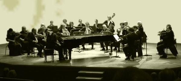 Wolfgang Amadeus Mozart (1756-1791): Concertos para Piano 23, 27 e 21 / Música Funeral Maçônica / Sinfonia Nº 40 (Jarrett-Davies)