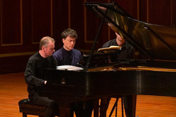 Fauré / Debussy / Ravel / Poulenc / Stravinsky: Música Francesa para Duo de Piano – Paul Lewis · Steven Osborne ֍